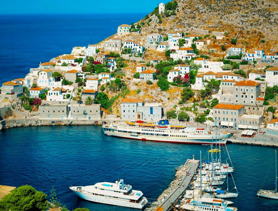 01A5J409; port, Hydra island, Greece